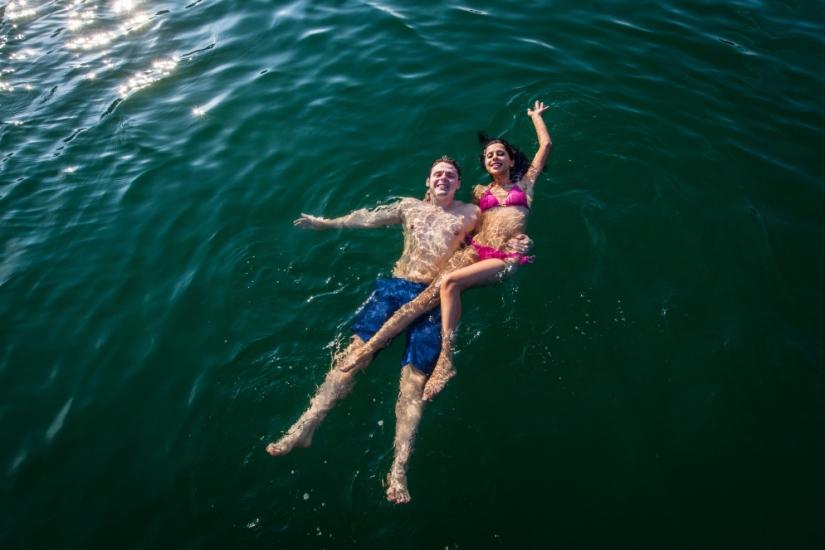 swimming-lan-ha-bay